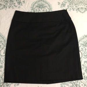 Black Banana Republic pencil skirt size 4